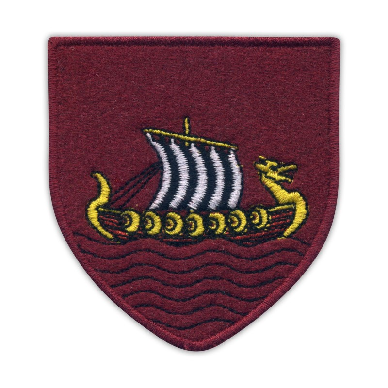 SKELLIGE - Coat of Arms, maroon cloth and cotton threads